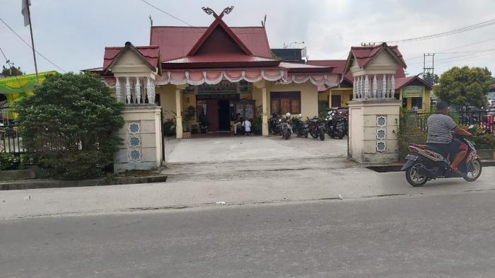 Pungli Surat Tanah Di Perawang Barat Siak Camat Dikecamatan 200 Ribu Riauone Com Berita Nusantara Terkini